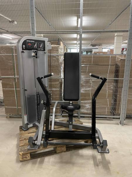 Hammer Strength Chest Press   Occasion